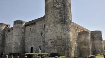 castello-ursino-catania-small